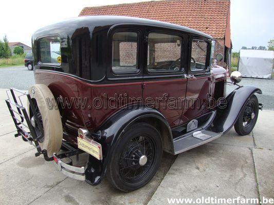 Ford A 4 door Sedan (1930)