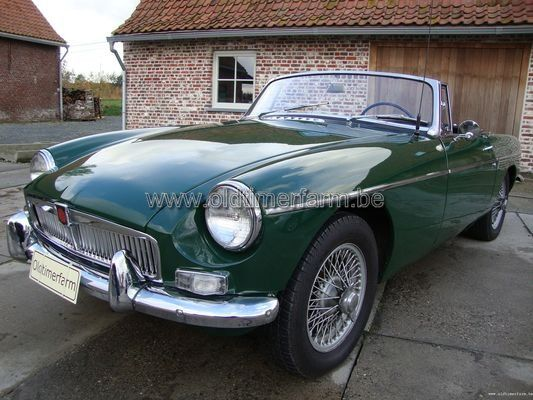 MG  B Green LHD 1966 (1966)