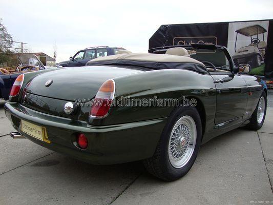 MG RV8 green  (1996)