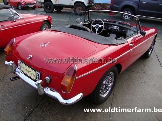 MG B Red LHD 1964 (1964)