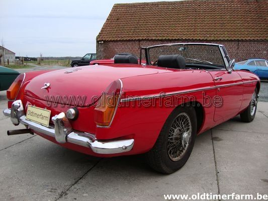 MG B  red LHD 1966 (1966)