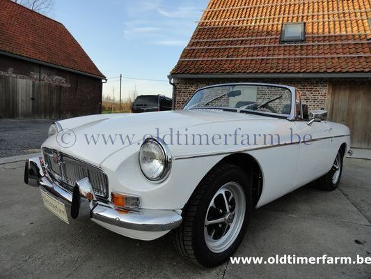 MG B  White LHD 1973 (1973)