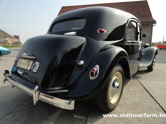 Citroën Traction 11 B Black 1956 (1956)