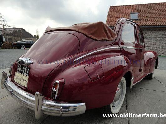 Peugeot  203 C Découvrable   Red   (1956)