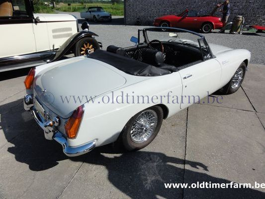 MG B White LHD 1970  (1970)