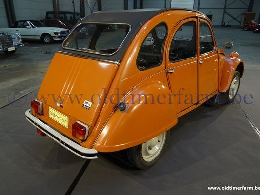 Citroën 2CV AZKA  Orange ch.6044 (1982)
