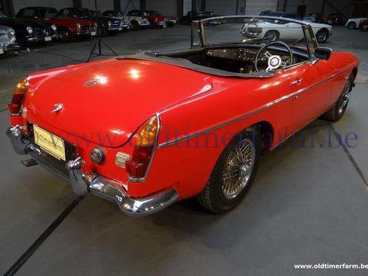 MG  B Red