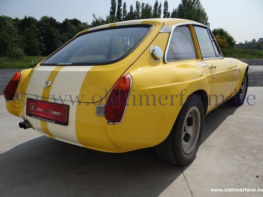 MG  B GT Sebring look Yellow