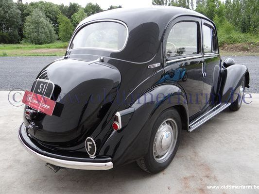 Simca 8 1200 Berline  Black  (1951)