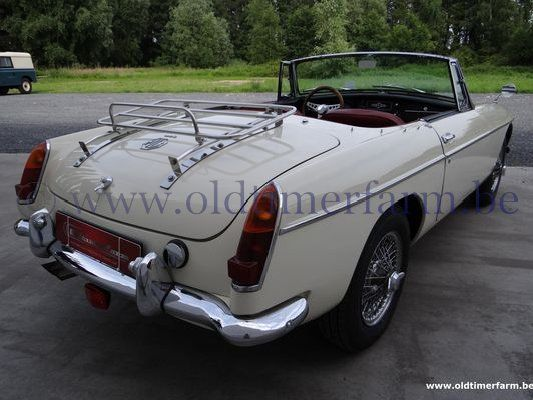 MG  B Old English White LHD '63 (1963)