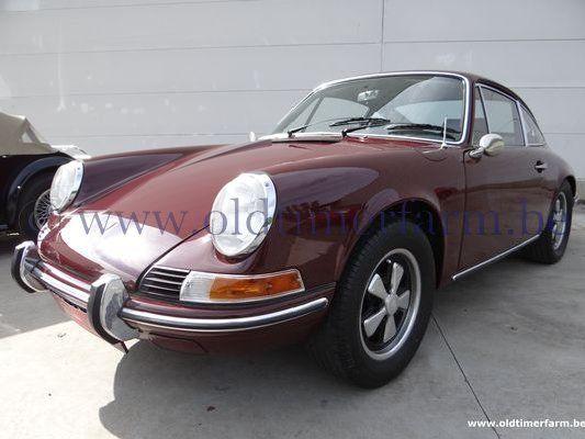 Porsche  911 T 2.2  maroon (1969)