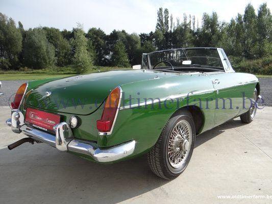 MG B Green