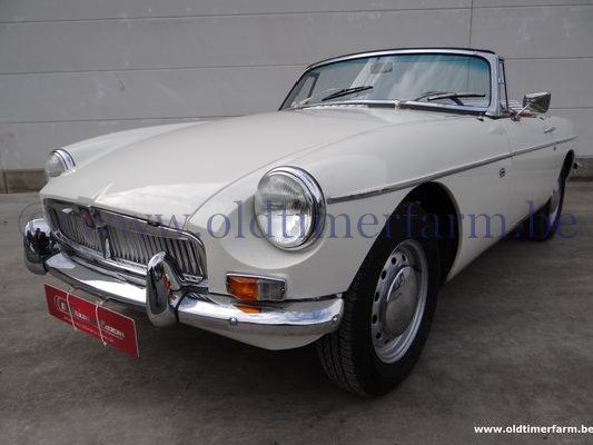 MG  B Old English White LHD