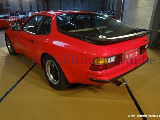 Porsche  944 2.5 (1983)