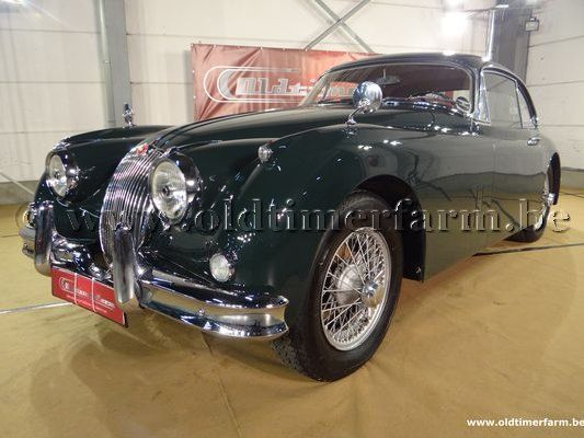 Jaguar XK 150 FHC green