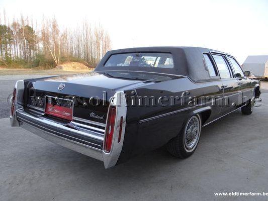 Cadillac  Fleetwood '82 (1982)