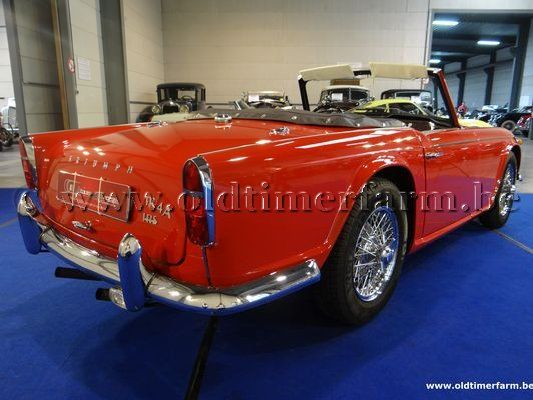 Triumph TR4A  IRS Red