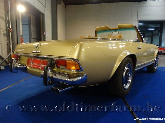 Mercedes-Benz 280SL Gold