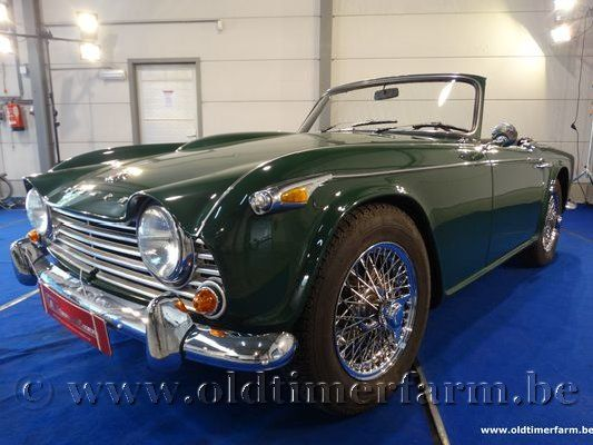 Triumph TR 4 A IRS Green