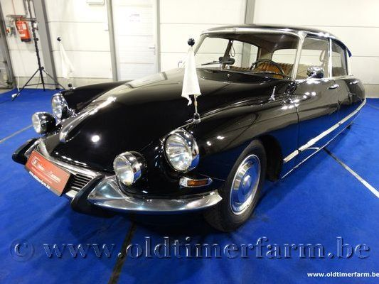 Citroën DS 21 Pallas Black
