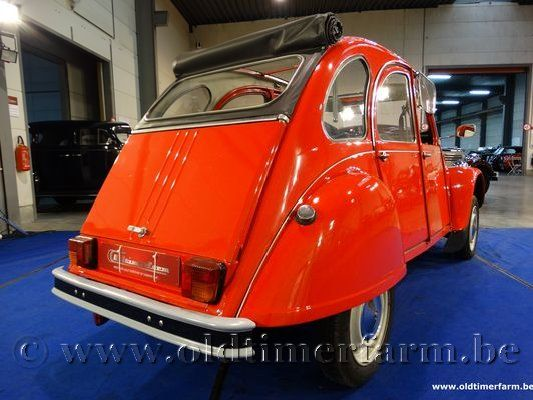 Citroën 2CV AZKA Red