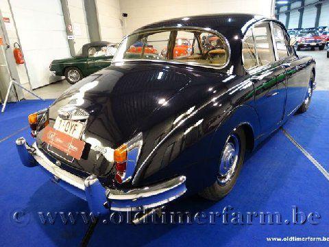 Daimler  250 V8 Blue