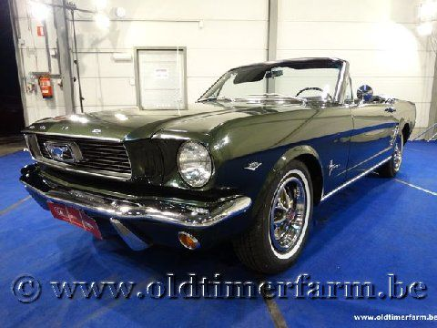 Ford Mustang V8 Convertible Green