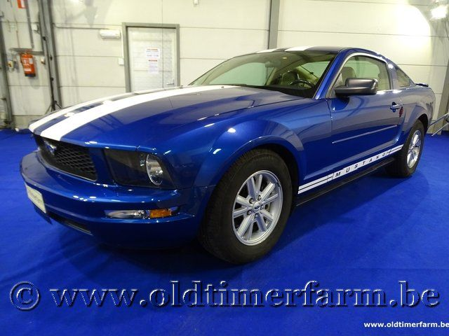 Ford Mustang Coupé 2007 (2007)