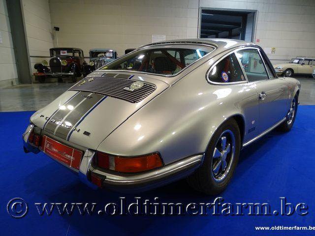 Porsche 911 2.4 T Grey