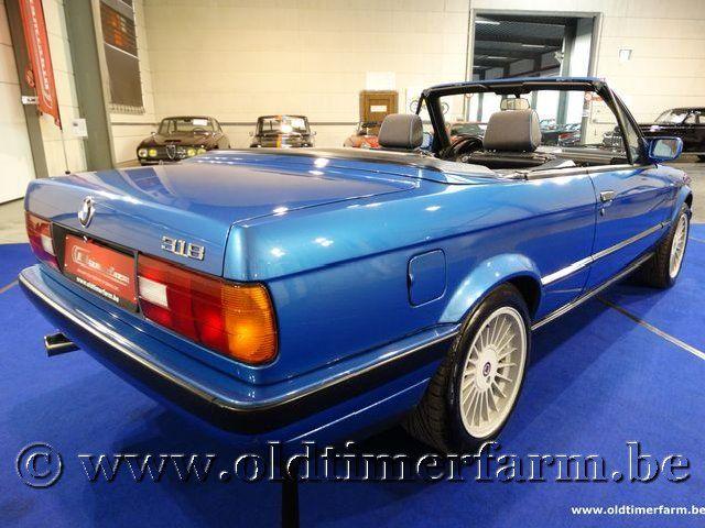 BMW 318i E30 Cabriolet Neon Blue
