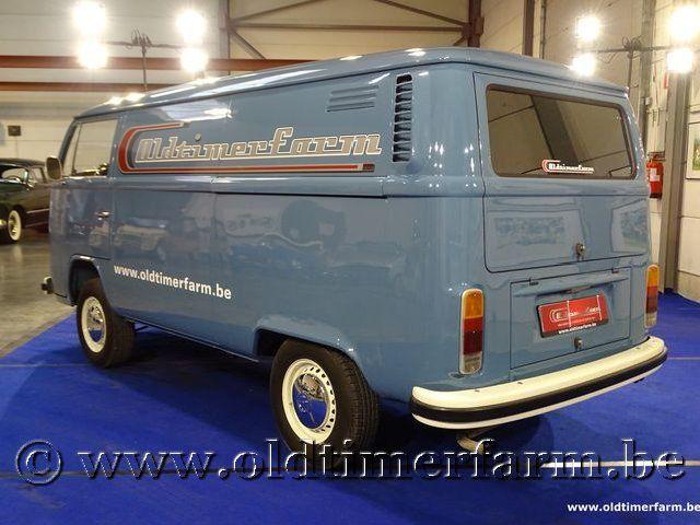 Volkswagen T2b Panel Van