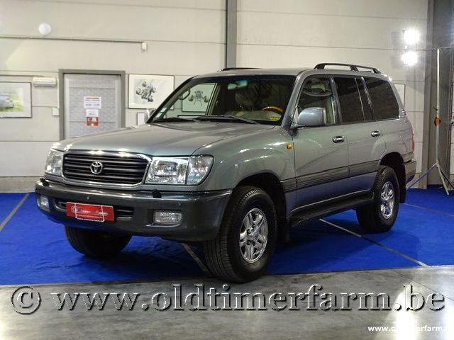 Toyota Land Cruiser 100 (2001)