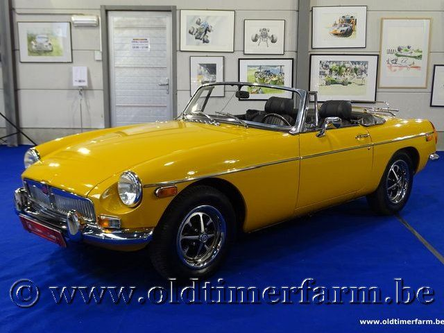 MG B Roadster Yellow Bronze
