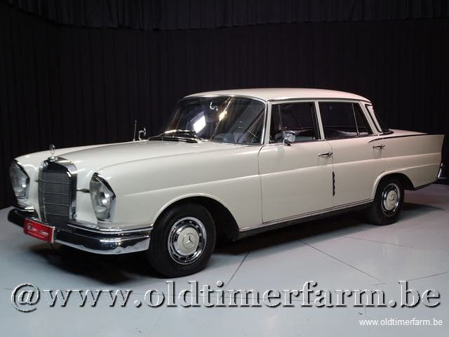 Mercedes-Benz 220S W111 Heckflosse '65
