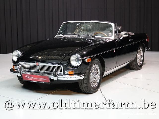 MG B Roadster Black