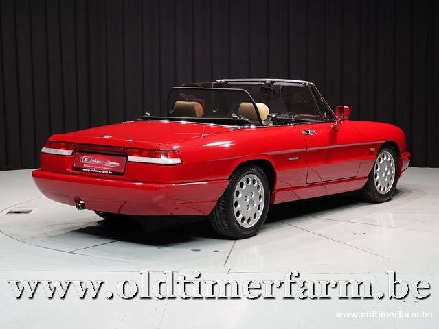 Alfa Romeo Spider 4 Red