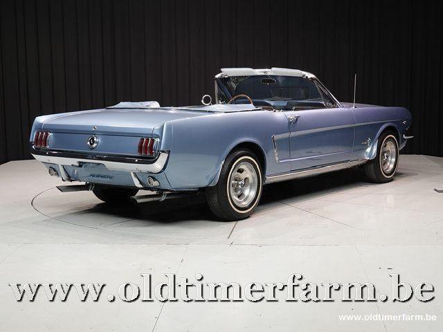 Ford Mustang Convertible V8 Blue