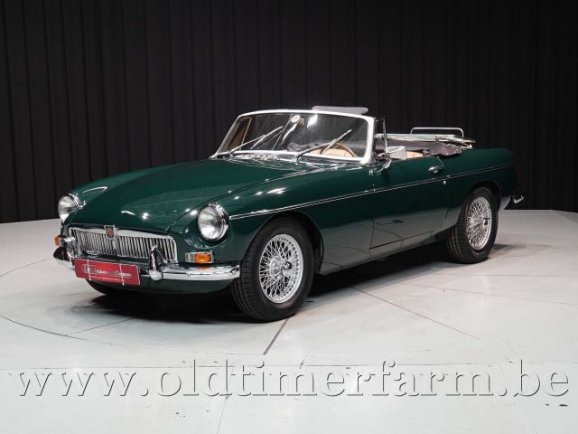 MG B Roadster British Racing Green '66