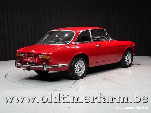 Alfa Romeo GTV 2000 Bertone Red