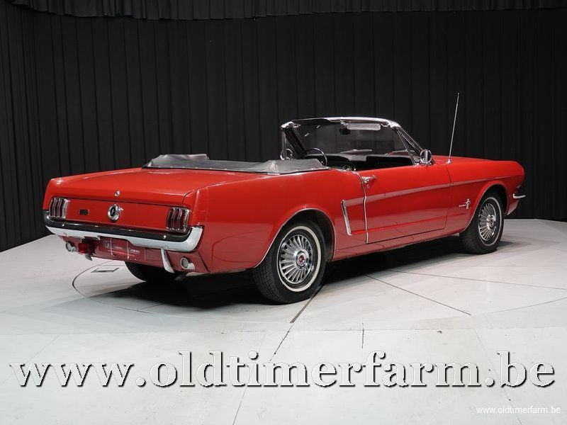 Ford Mustang Convertible 6-Cil