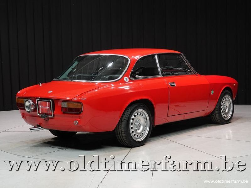 Alfa Romeo 1300 GT Junior '72 (1972)