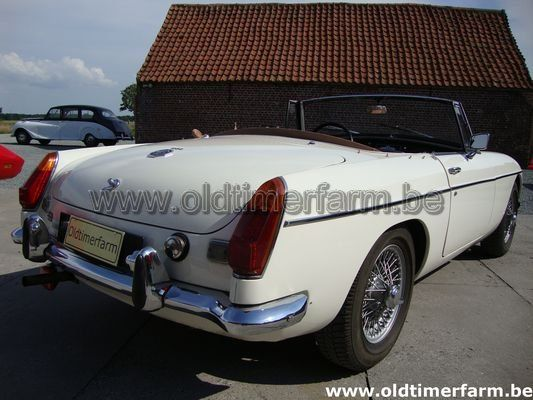 MG B white LHD  (1971)