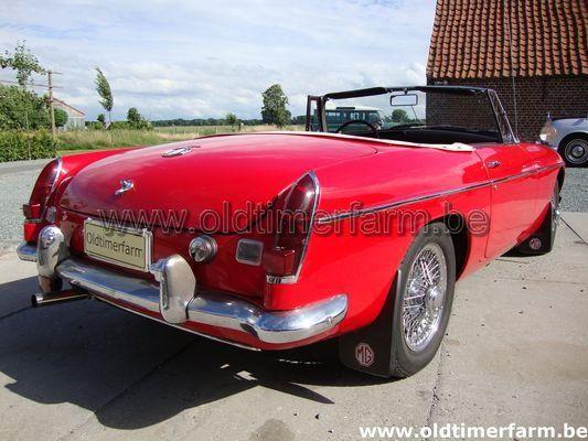 MG B  red LHD 1969 (1969)