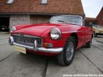 MG B red LHD (1965)